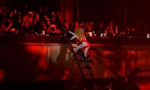 Lady Gaga Roseland ladder