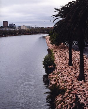 Spencer Tunick: Melbourne 3, 2001
