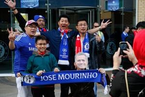 Tom's Chelsea pics: Chelsea fans