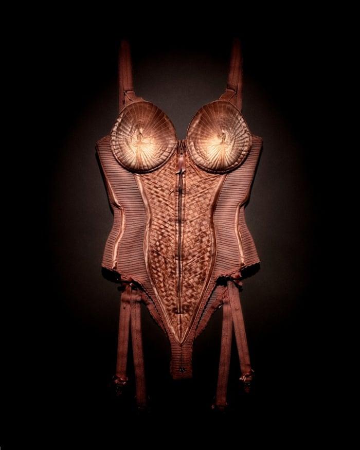 ░ Madonna's Jean-Paul Gaultier-Corset