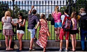 Tourists and view of the White House lawn
