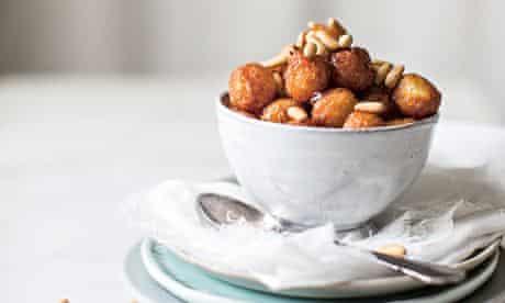Ricotta and honey doughnuts