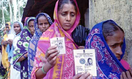Indian women voting