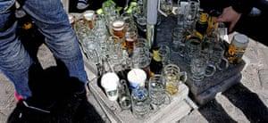 Bayern v United: Empty beer glasses