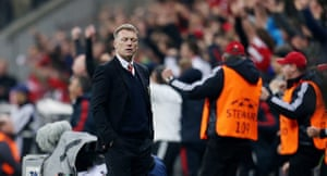 Bayern v United: David Moyes looks dejected