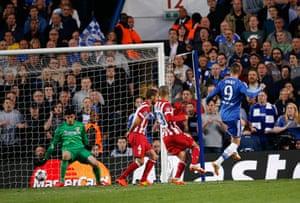 Tom's Chelsea pics: Torres scores