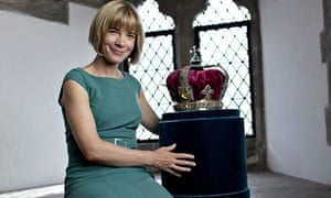 Lucy Worsley with George I's crown in The First Georgians