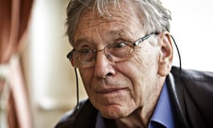 Amos Oz said Jewish settlers carrying out so-called price tag attacks on Palestinians were neo-Nazis
