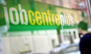 Job vacancies set to top 800,000