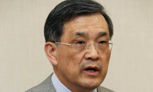 Samsung Electronics vice-chairman Kwon Oh-hyun briefs reporters in Seoul, South Korea