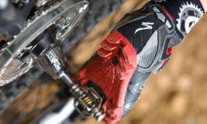 Clipless pedal and shoe systems for mountain bikers are similar to a miniature ski binding