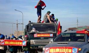 Vietnamese protest against China near Formosa mill in Ha Tinh, Vietnam