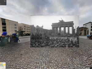WWII in Street View: Russian soldiers at the Brandenburg Gate, 1945
