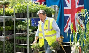 Chelsea flower show: welcome back Alan Titchmarsh, goodbye gnomes