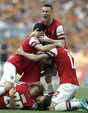 fa cup final : Arsenal players celebrate