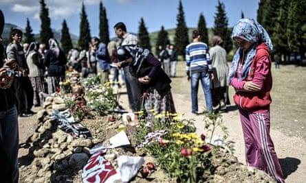 Turkey mine disaster: 18 people held on suspicion of negligence