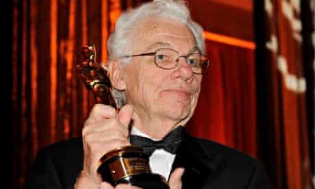 Gordon Willis with his honorary Oscar.