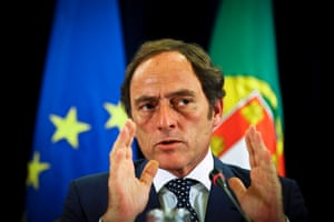 Portuguese vice prime minister Paulo Portas gestures during a press conference held at Ministry of Finance, Lisbon, Portugal, 02 May 2014.