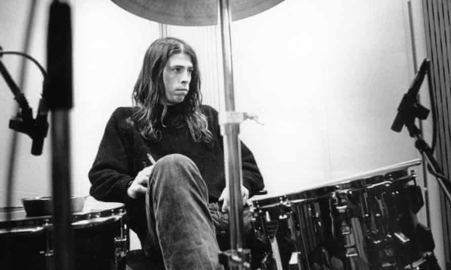 Photo of Dave Grohl while in Nirvana, recording in Hilversum Studios. Photo by Michel Linssen/Redferns
