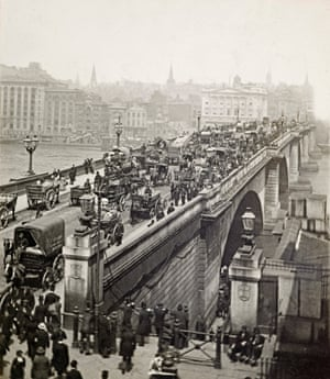 The south side of London Bridge crowded with carriages c.1900 by an unknown photographer.