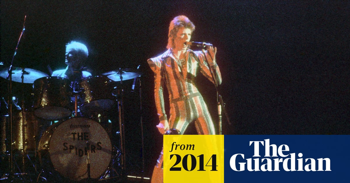 f7bc4bfc927e5 Spiders from Mars to play Bowie s The Man Who Sold the World live ...