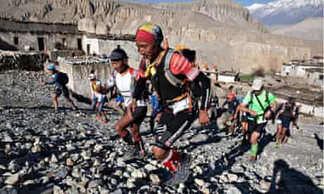 Mustang trail race – leaving Luri Gompa