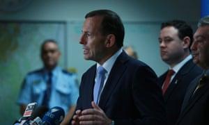 Tony Abbott visits Campbelltown Police station