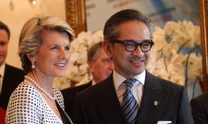 epa03977103 Australian Foreign Minister Julie Bishop (L) poses with her Indonesian counterpart Marty Natalegawa (R) to journalists during their meet in Jakarta, Indonesia, 05 December 2013. Bishop visits Indonesia in an effort to help repair ties strained by a row over the Australian embassy has been part of the American spy network of the cell phones of Indonesian President Susilo Bambang Yudhoyono and his wife  EPA/BAGUS INDAHONO