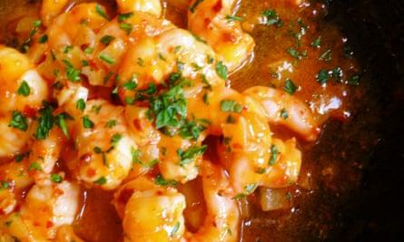 Leftover wine recipe: prawns, garlic aleppo pepper and white wine