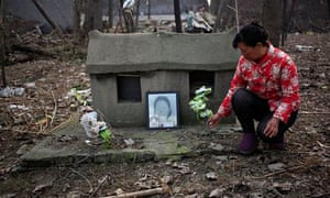 Six elderly people in China kill themselves before burial ban