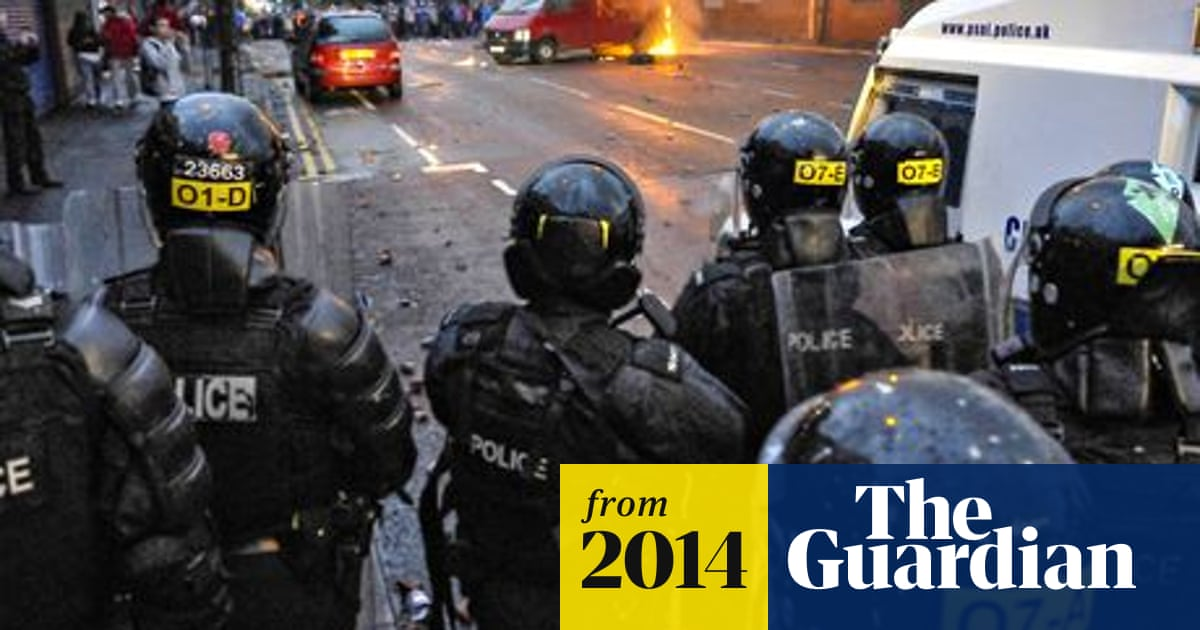 25% of Northern Ireland riot police hurt in loyalist clashes in ...