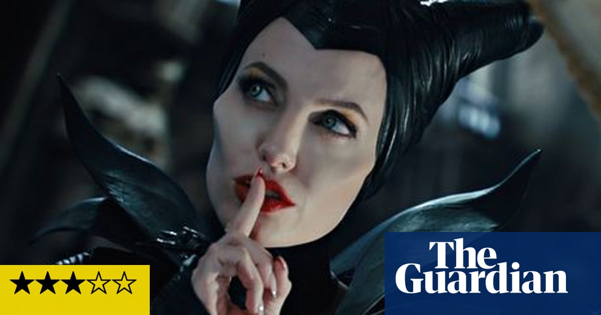Maleficent Review Angelina Jolie Adds Vinegar To Salty