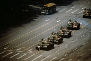 'The Tank Man' stopping the column of T59 tanks, 5 June.