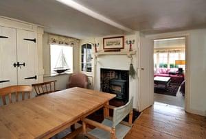 Cool Cottages Hotels: Cool Cottages Buckler's Hard