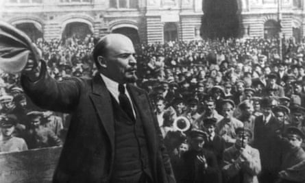 Vladimir Lenin addressing a crowd in Moscow in October 1917, the day the Bolshevik-dominated Soviet government was established