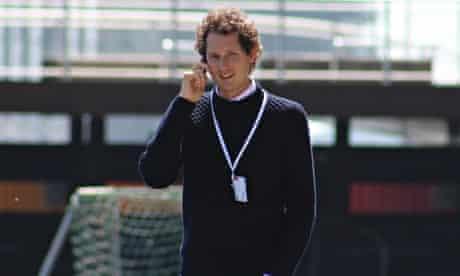 Elann on phone, Bilderberg