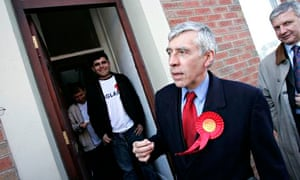 Jack Straw campaigns in his Blackburn constituency in 2005