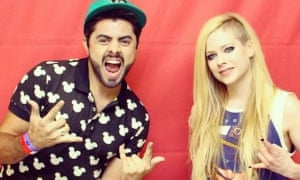 Avril Lavigne with a fan