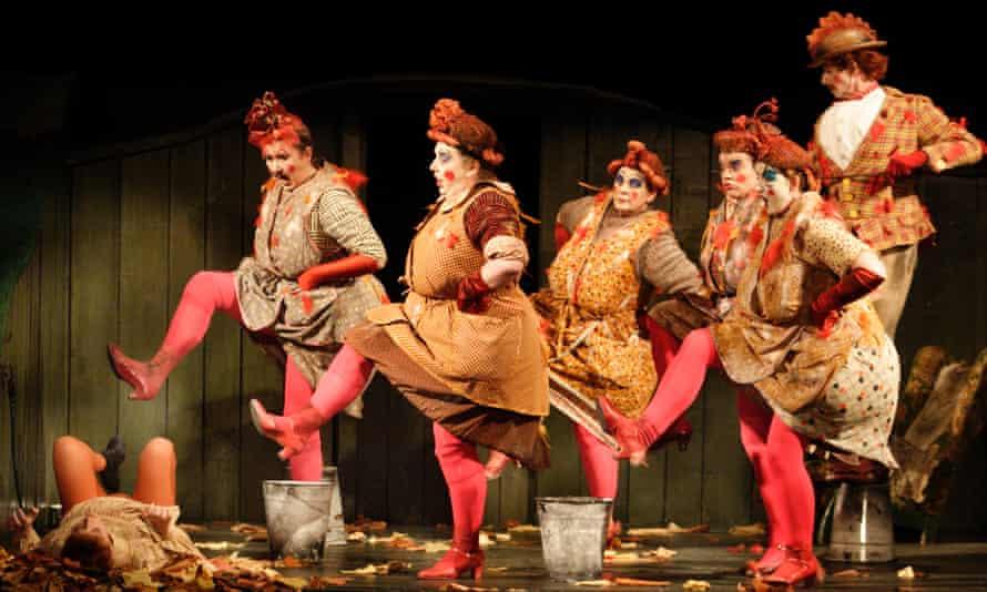 WNO The Cunning Little Vixen - Sophie Bevan (Vixen) and Chorus of Hens.