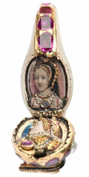 Elizabeth I's locket ring