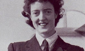 Freydis Sharland, pilot, who has died aged 93