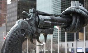 non violence sculpture un gun
