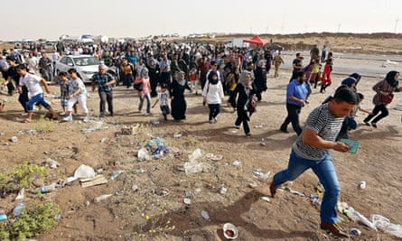 Refugees flee the city of Mosul