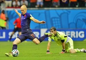 Arjen Robben makes it 5-1.