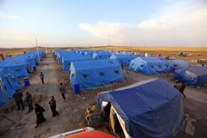 Iraq refugees at Khazir camp