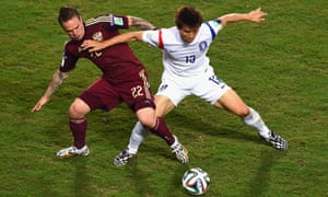 Andrey Yeshchenko and Koo Ja-Cheol tussle