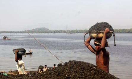 a young sand miner in Mumbai