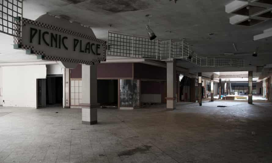 Rolling Acres shopping malls.