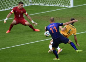 Arjen Robben scores the opening goal of the game.