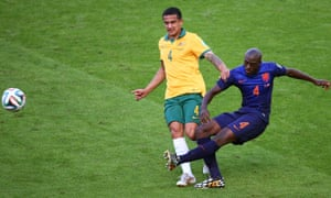 Tim Cahill catches Bruno Martins Indi.